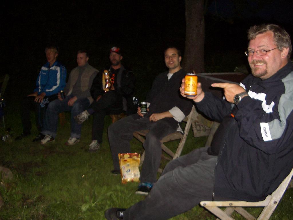 Sensei John er glad for sin gule øl...