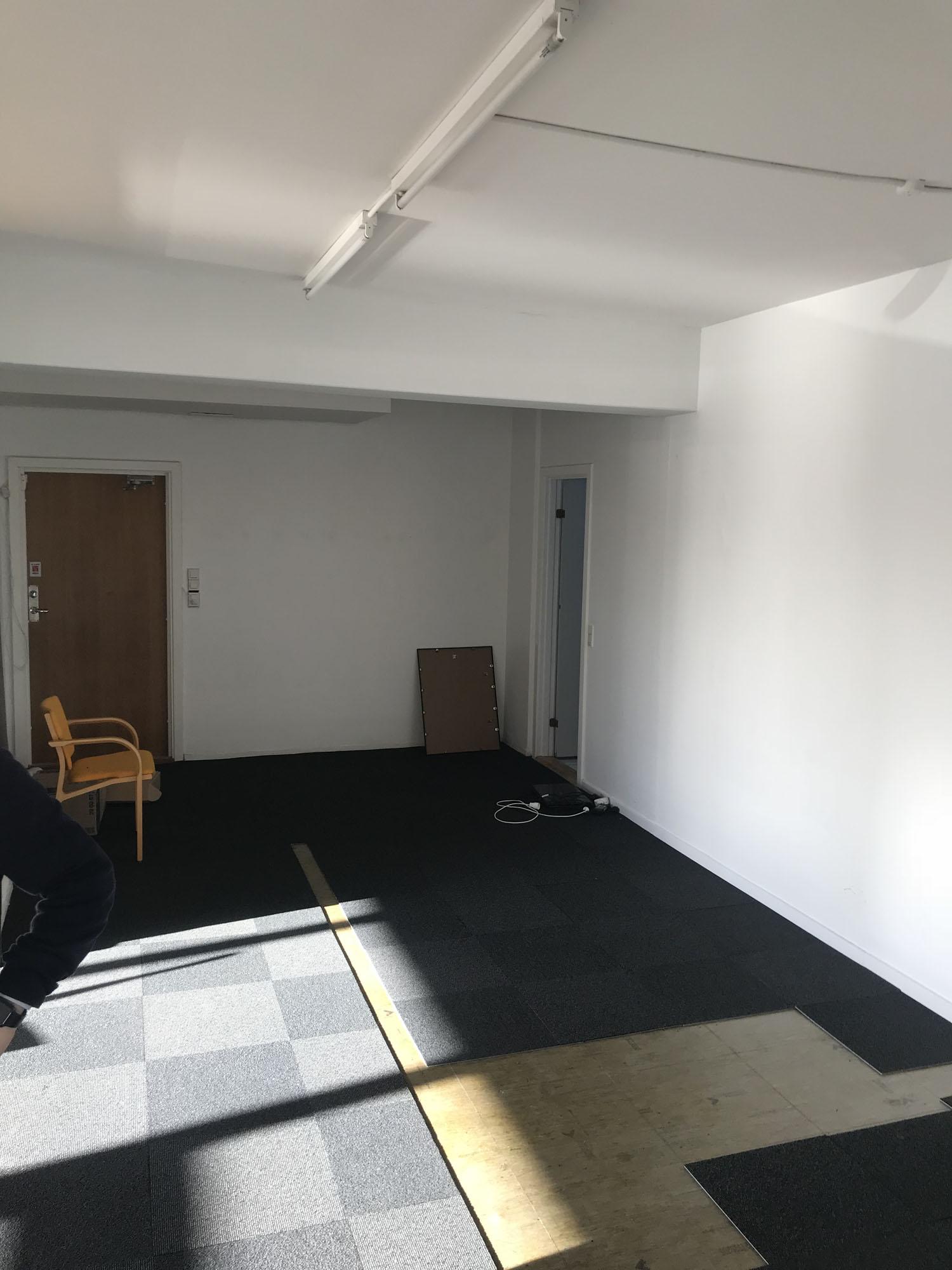 Receptionsområdet og lageret...