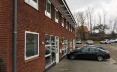Amanogawas nye hovedkvarter har parkering lige foran døren.